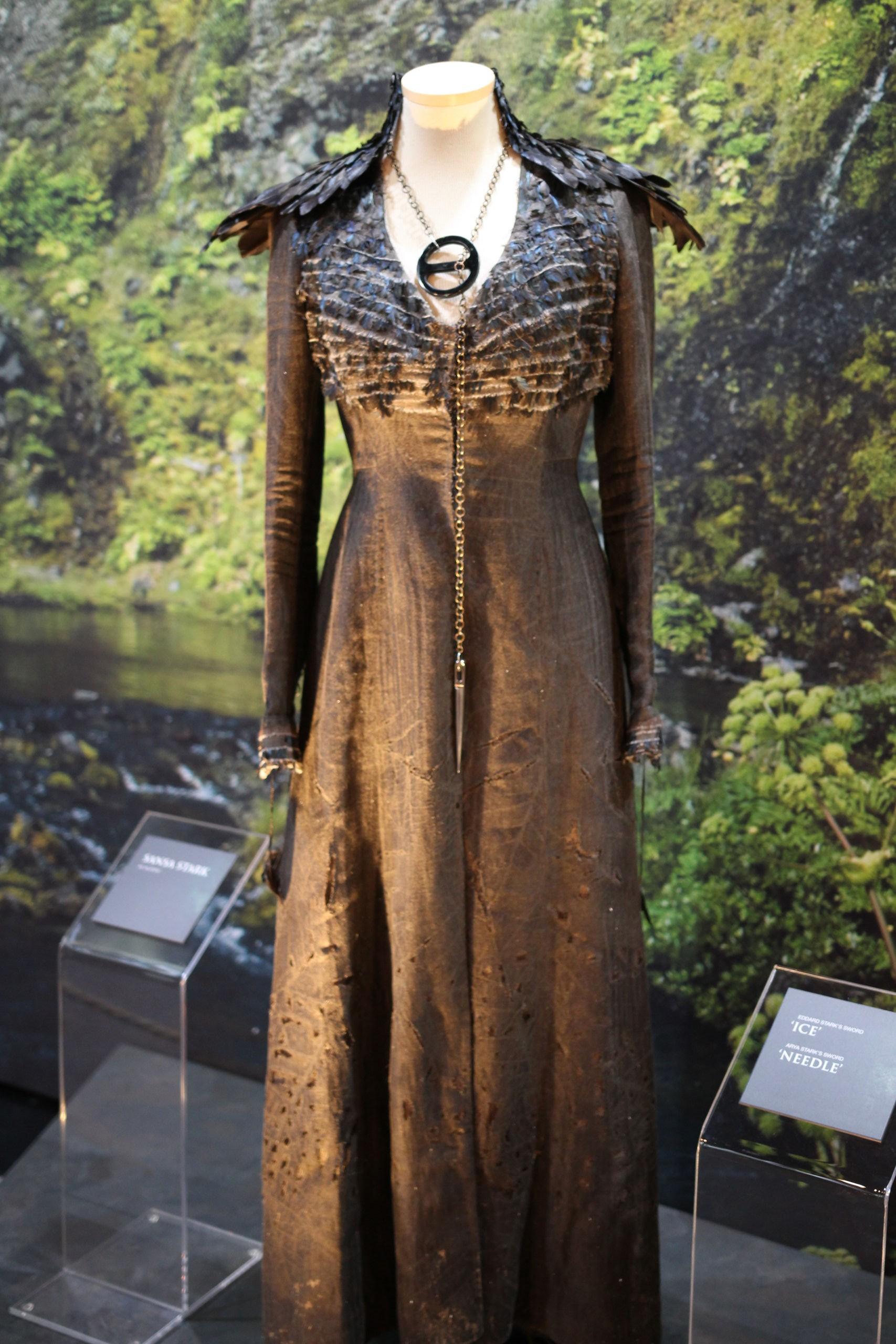 Dark Sansa costume exhibit.jpg & Image - Dark Sansa costume exhibit.jpg | Game of Thrones Wiki ...