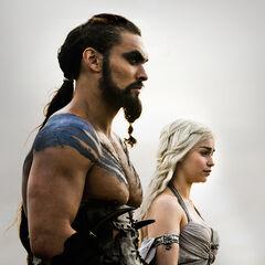 Daenerys ze swoim mężem, khalem Drogo.