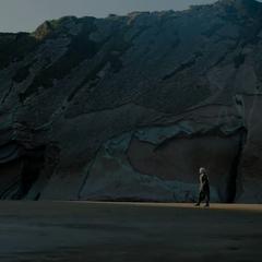 Daenerys auf Drachenstein.