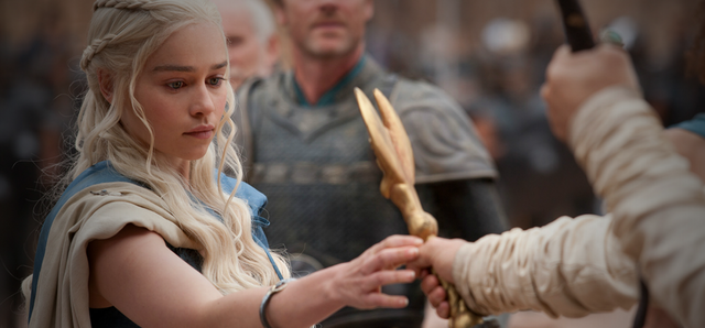 Файл:Season 3 Ep 4 Dany with Whip.png