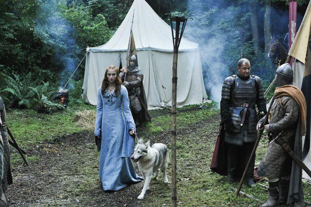 File:Sansa in the Camp.jpg