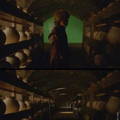 Tyrion wird der Seefeuervorrat gezeigt
