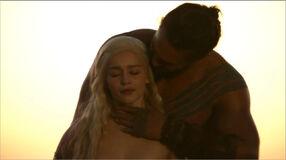 Daenerys and Drogo 1x01