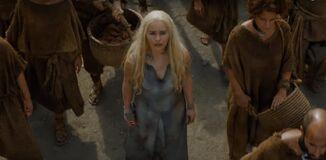 Dany in s6 with Dothraki