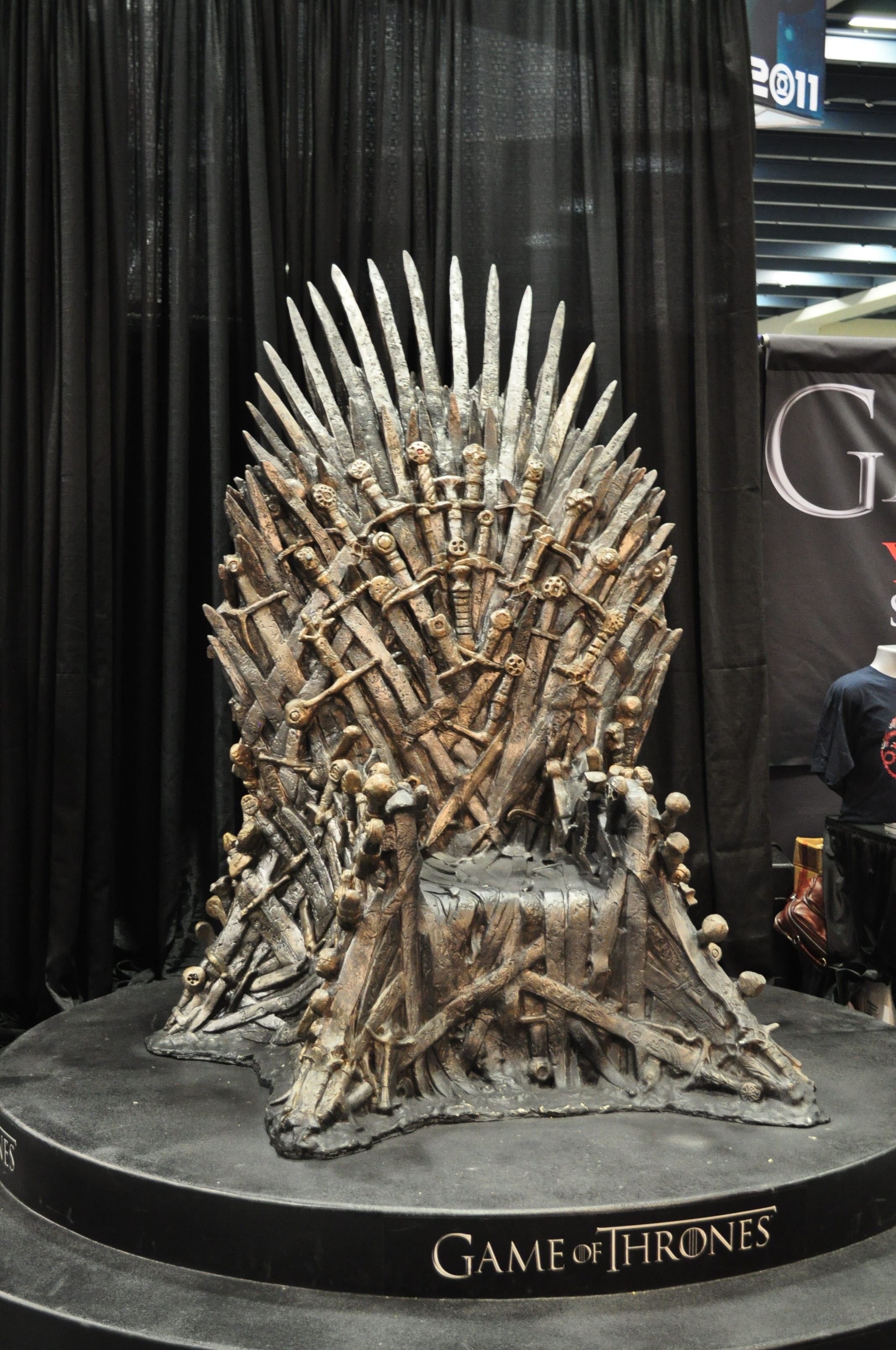 iron throne office chair. wondercon-iron-throne.jpg iron throne office chair & Iron Throne Office Chair. Throne Chairs Collections For Your Glamour ...