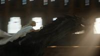 5x09 Дейнерис верхом на драконе