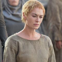 Cersei przed swoim marszem pokutnym.