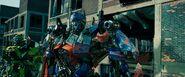 Dark of the moon screenshot Optimus and Ratchet