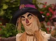 Scrarecrow Bonus Close-Up