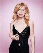 Kelly Clarkson - Texas Monthly Magazine