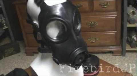 AVON FM12 Gas Mask