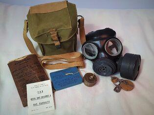 Light Anti-Gas Respirator Mk II Full Kit (Baroque4Days)