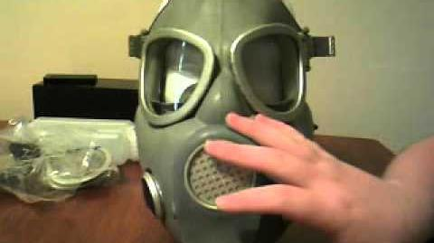 Polish MP4B ( rare ) Gas Mask