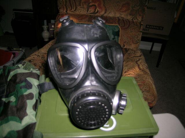 File:Chinese gas mask 2.jpg