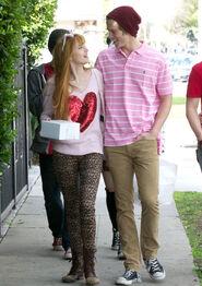 Bella-thorne-with-boyfriend (6)