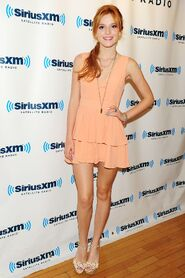 Bella-thorne-looking-awesome