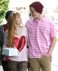 Bella-thorne-with-boyfriend (2)