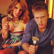 Bella-thorne-and-noyfrind-making-scary-faces