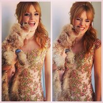 Bella-thorne-florastyledress-with-Kingston