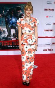 Bella-thorne-Iron-Man-3-premiere-(3)