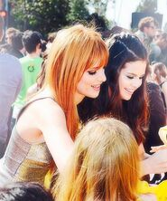 Bella-Thorne-signing-autographs-with-SelenaGomez-at-the-KidsChoiceAwards2013