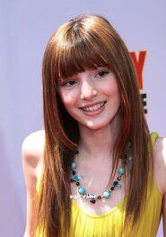 Bella Thorne4
