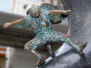 Konoha-Tengu statue