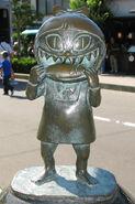 Neko-Musume statue
