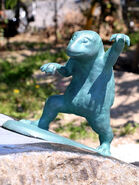 Suiko statue