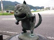 Neko-Mata statue