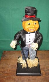 Gemmy Animated Singing ''Puttin' On The Ritz'' Scarecrow Halloween Prop 18'' w box 2