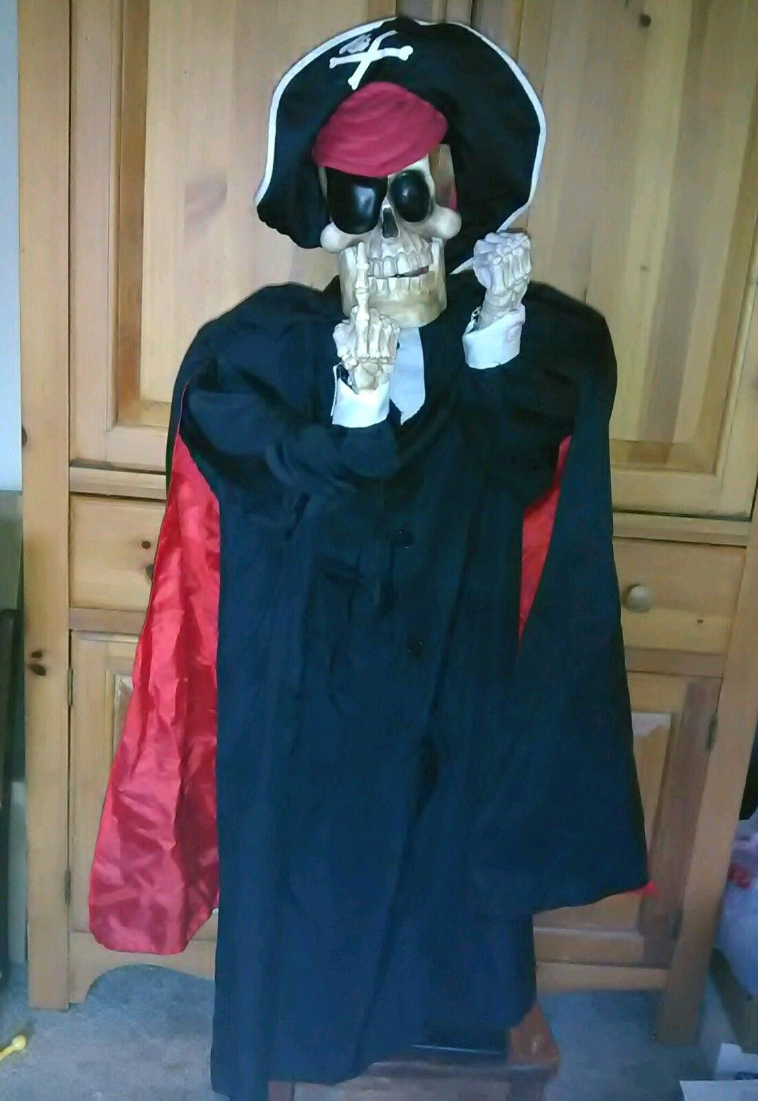 animated talking pirate skeleton motion sensor halloween prop gemmy scaryoke 3jpg