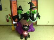 Gemmy inflatable halloween witches in cannon scene