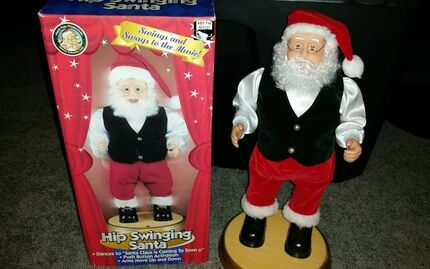 HIP SWINGING SANTA GEMMY PRODUCT 1998 Animated sings and dances