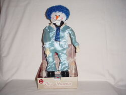 Disco Snowman Dances to ''Funky Town'' and ''Jingle Bells''