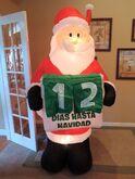 Gemmy inflatable Dias Hasta Navidad Santa