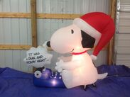 Gemmy inflatable snoopy at his typewriter