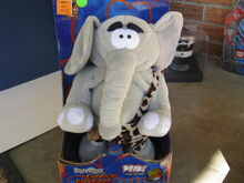 2003 EAGER EDGAR the GROOVIN' ELEPHANT GEMMY CO - DANCES & SINGS JUNGLE BOOGIE
