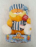 Pajama Jammin' Garfield by Gemmy sings dances to Hot Stuff uses 3AA batteries