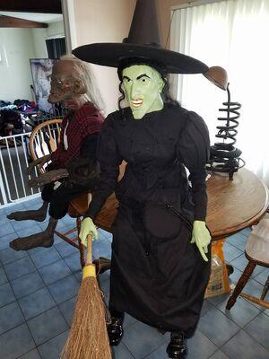 Life Size Sitting Wicked Witch Of The West Gemmy Wiki