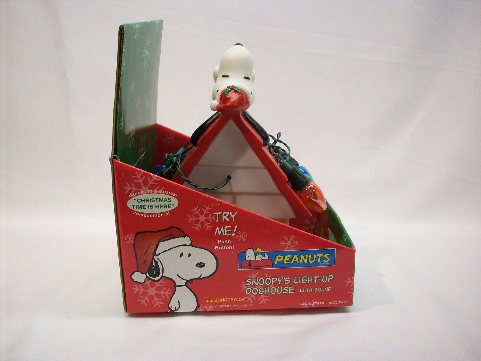 snoopy peanuts light up musical christmas on dog house gemmy new in pkg 11jpg - Snoopy House Christmas