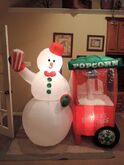Gemmy inflatable Snowman w popcorn scene