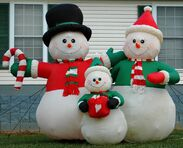 GEMMY 6FT SNOWMAN FAMILY LIGHTED CHRISTMAS AIRBLOWN INFLATABLE YARD DISPLAY