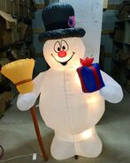 6ft Gemmy Airblown Inflatable Christmas Frosty w Present Prototype