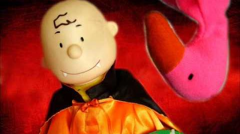 (Gemmy) Singing Dancing Charlie Brown in Vampire Costume. (HALLOWEEN)
