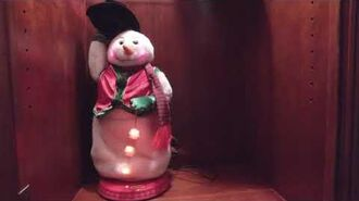 Common red vest snowman demo