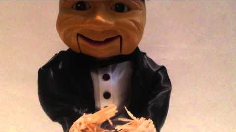 1998 Gemmy Animated Talking Scarecrow Sings ''Puttin' On The Ritz'' EXTREMELY RARE!