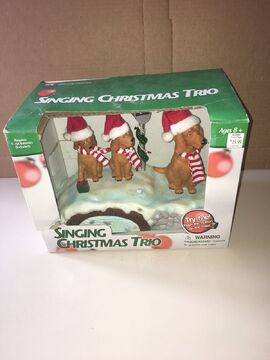 2002 GEMMY CHRISTMAS TRIO SINGING DOGS MOTION ACTIVATED