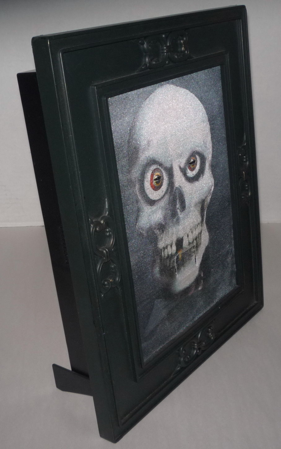 Image rare gemmy pirate skull talking animated 3 d halloween 15 rare gemmy pirate skull talking animated 3 d halloween 15 x 12 picture frame 3g jeuxipadfo Gallery