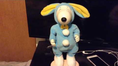 Ultra rare hip swinging Easter beagle snoopy